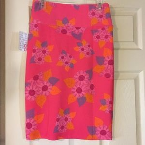 NWT Lularoe Pink Floral Classic Pencil Skirt